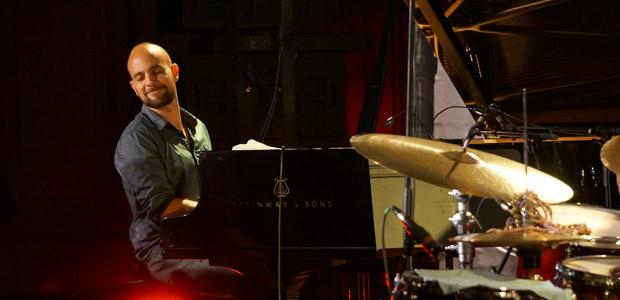 https://festivaljazzsaintgermainparis.com/wp-content/uploads/2014/01/shai-maestro-sli11.jpg